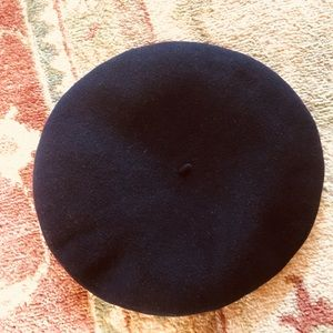 Accessories - Vintage French made Pedrito wool beret! 💙